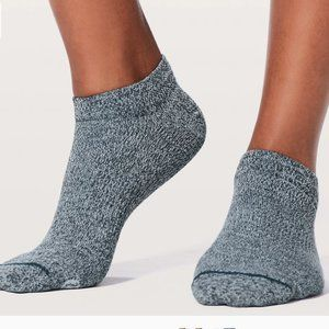 Lululemon All in a Day socks M/L (7.5-10)